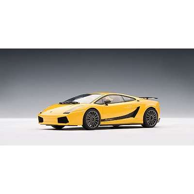1/43 AUTOart 54614 LAMBORGHINI GALLARDO SUPERLEGGERA - GIALLO MIDAS / METALLIC YELLOW