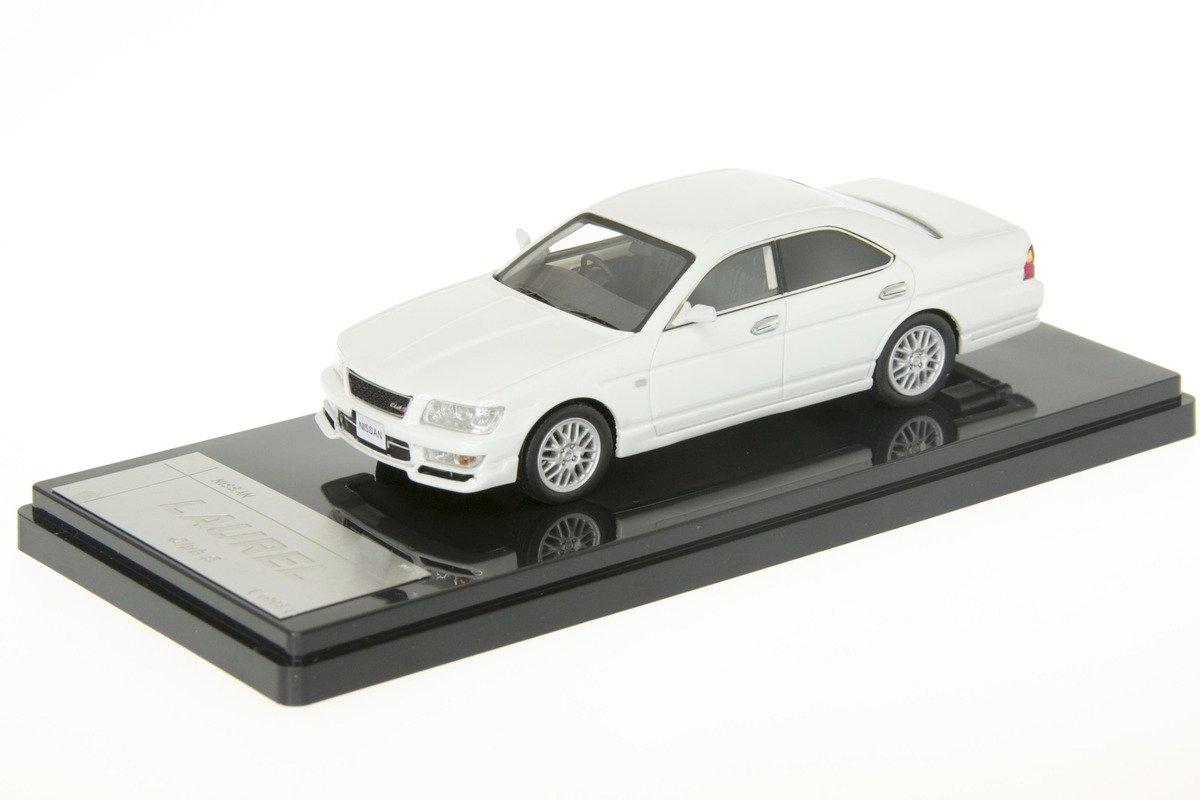 1/43 WIT'S - W413 NISSAN LAUREL Club S 1998 White Pearl